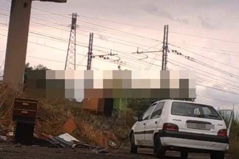 Abbandono di rifiuti, le immagini delle fototrappole
