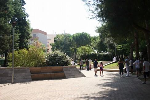 Il sindaco Cannito inaugura i giardini in viale Manzoni