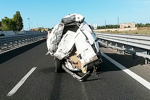 Scontro tra un tir e un furgone incidente sulla andria for Sportello gas bricoman