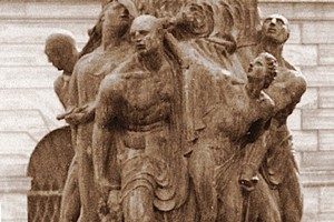 Bronzi monumento piazza Caduti