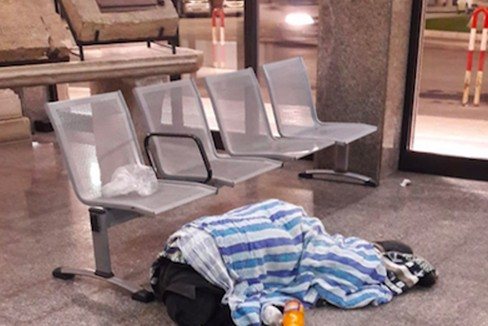 Salviamo il senzatetto Pasqualino, l'appello della Caritas di Barletta