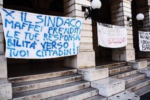 Sindaco Protesta teatro