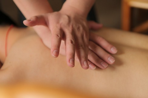 Centri massaggi nel mirino della Polizia di Stato