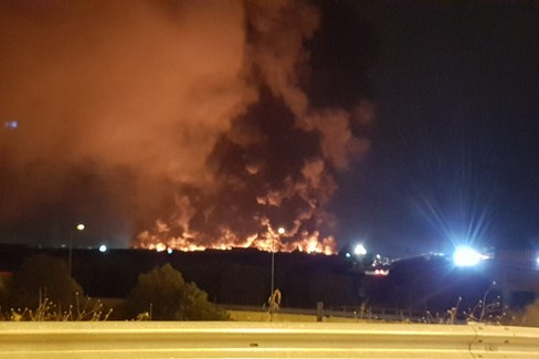 Pauroso incendio sulla Andria-Barletta