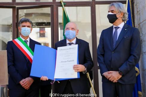 Onorificenza di Cavaliere al merito della Repubblica Italiana al prof. Giuseppe Lagrasta. <span>Foto FIOF</span>