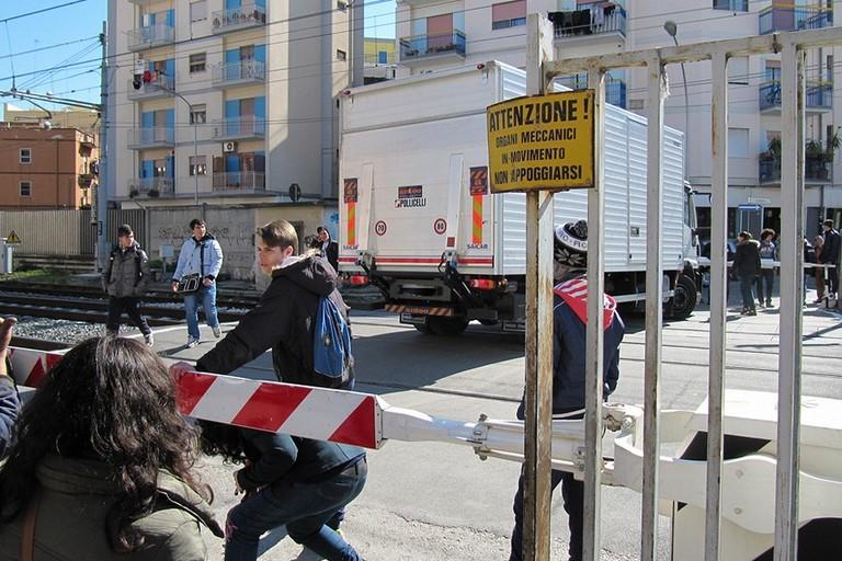 Passaggio a livello di via Milano