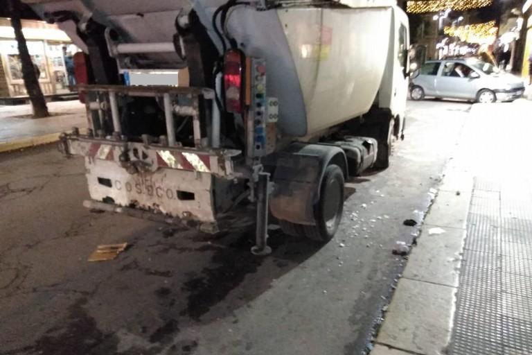 Camioncino Bar.S.A. danneggiato