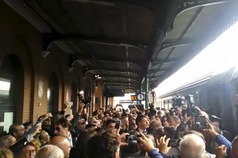 Destinazione Italia, il tour in treno di Matteo Renzi arriva a Barletta