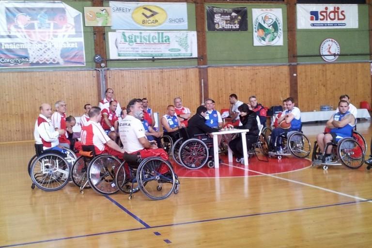 La presentazione della squadra di basket in carrozzina Sportinsieme Sud, anno 2012