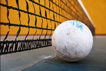 Tennistavolo pallina rete