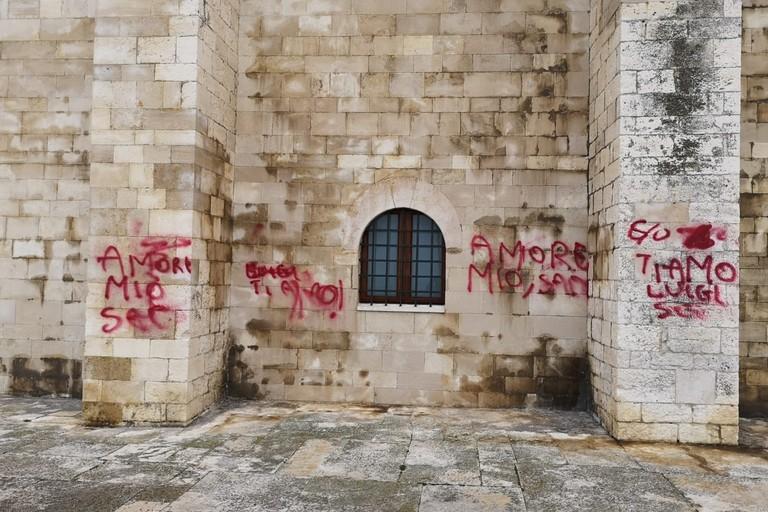 Atti vandalici alla cattedrale di Trani