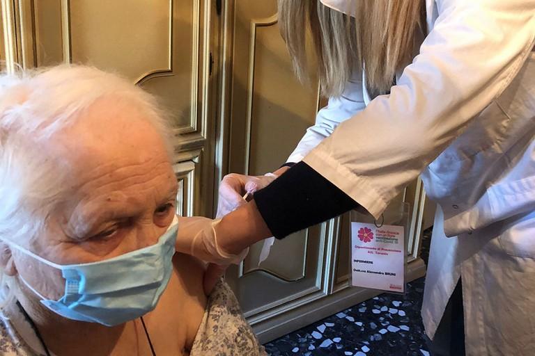 Vaccini over 80 in Puglia
