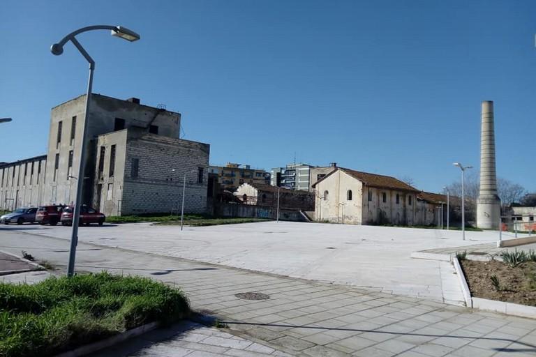 Il rudere fantasma su viale Reichlin