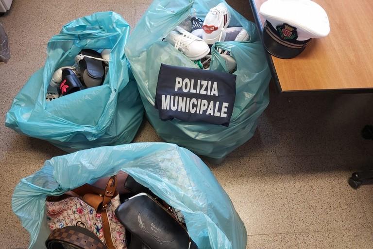 Merce sequestrata dalla Polizia locale di Barletta