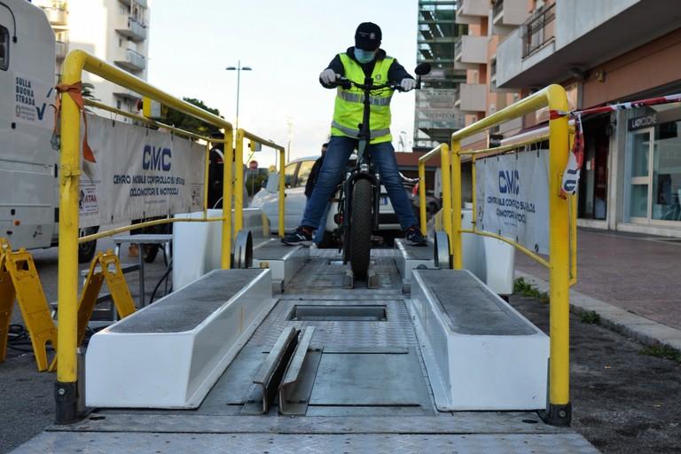 Controlli a ciclomotori e bici elettriche